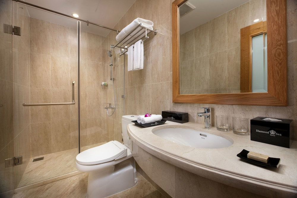 Bathroom, Diamond Sea Hotel