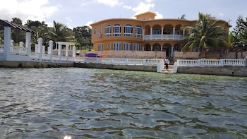 Waters Edge Guest House