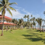 Bansaithong Beach Resort
