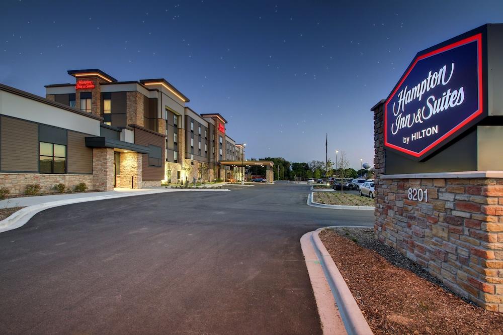 hampton inn suites milwaukee west 2019 room prices 112. Black Bedroom Furniture Sets. Home Design Ideas