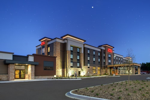 Hampton Inn & Suites Milwaukee West