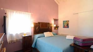 Desk, cribs/infant beds, free WiFi, bed sheets