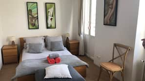 Minibar, individually furnished, desk, free WiFi