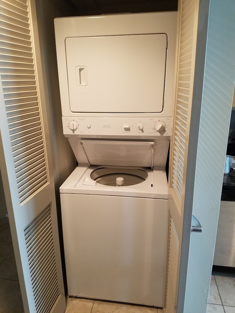Laundry Room, Oceans One Resort