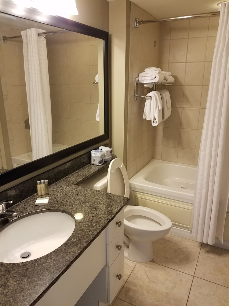 Bathroom, Oceans One Resort