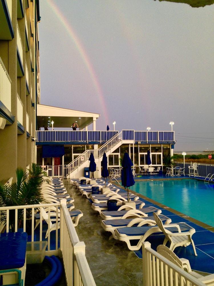 Adventurer Oceanfront Inn In Cape May