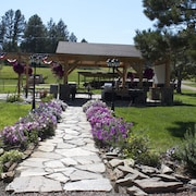 Whispering Winds Cottages and Campsites