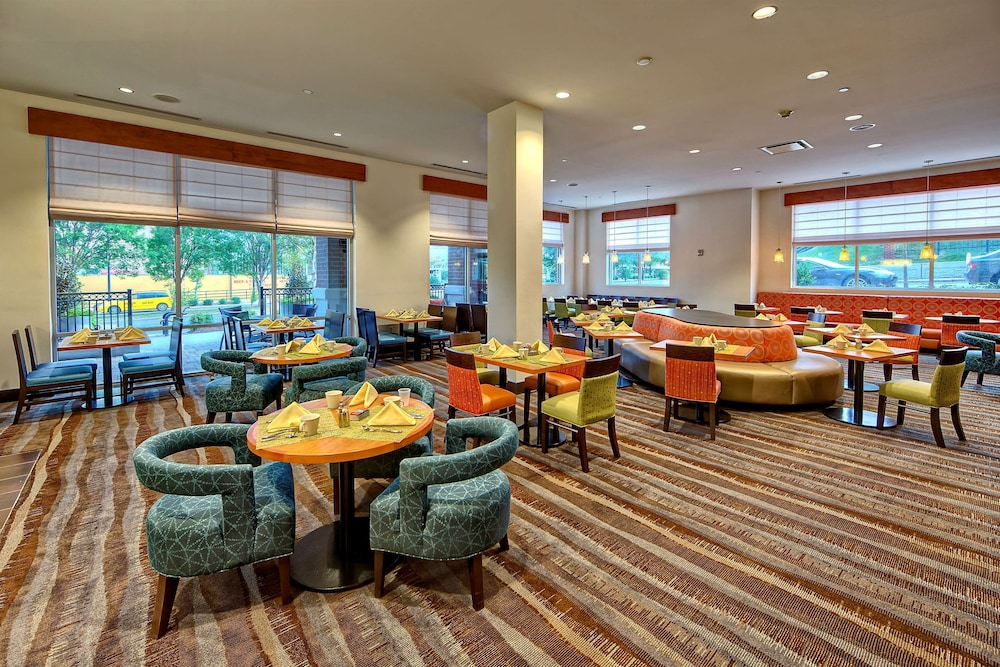 Breakfast Area, Hilton Garden Inn Nashville Downtown/Convention Center