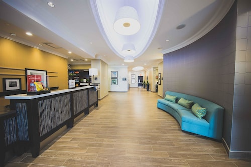 Hampton Inn & Suites by Hilton Bolton, ON, Canada