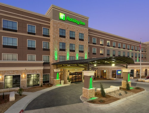 Great Place to stay Holiday Inn San Marcos near San Marcos