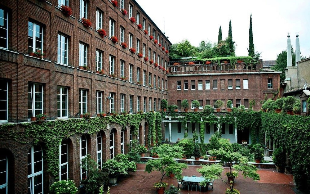 Featured Image, New Generation Hostel Milan Center
