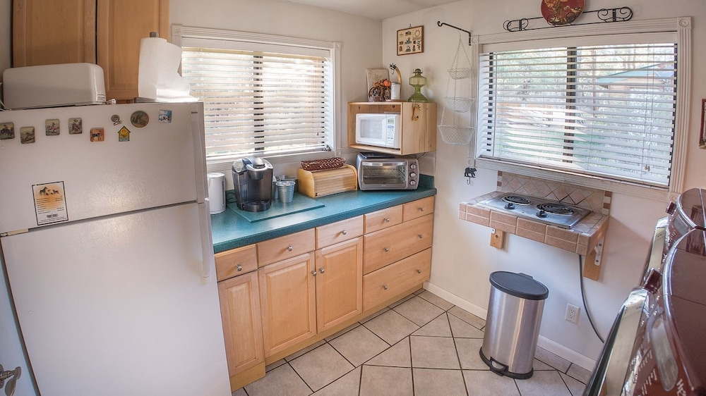 Private Kitchenette, Elktrace Bed & Breakfast
