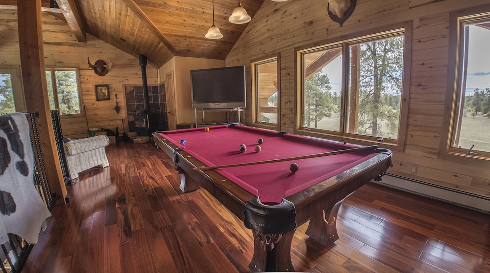 Game Room, Elktrace Bed & Breakfast