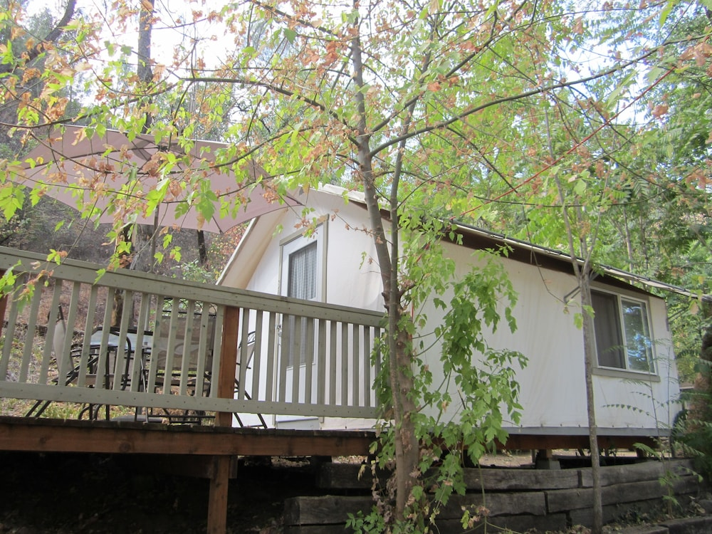 Book indian flat rv park tent cabins cottages el for Tent cottage