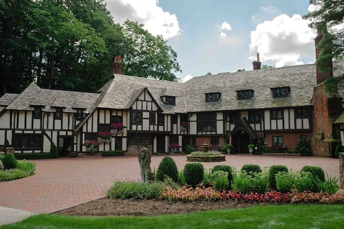 Great Place to stay The Club at Hillbrook near Chagrin Falls