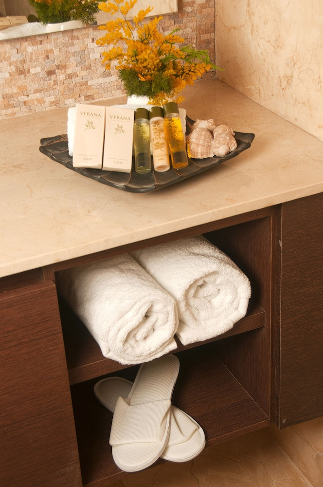 Bathroom Amenities, Casa Gastelbondo By Vistamarina - Adults Only