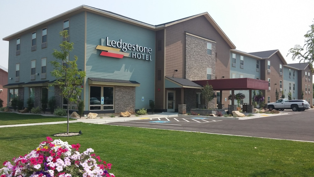 Featured Image, Ledgestone Hotel Vernal