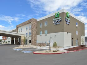 Holiday Inn Express & Suites Williams, an IHG Hotel