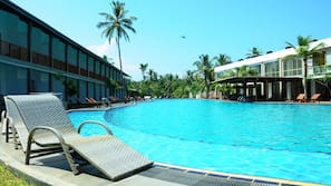 Outdoor pool, open 8 AM to 6 PM, sun loungers