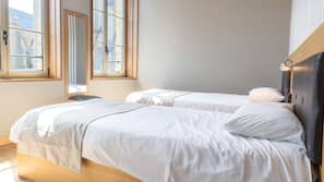 Décoration personnalisée, bureau, lits bébé (gratuits)