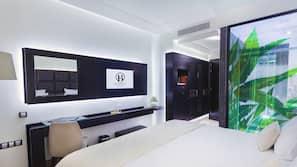 Hochwertige Bettwaren, Minibar, Zimmersafe, Verdunkelungsvorhänge