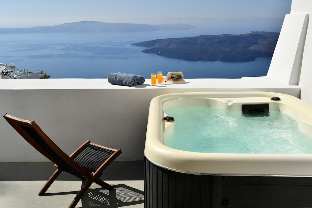 Jetted Tub, Exclusive Plan Suites