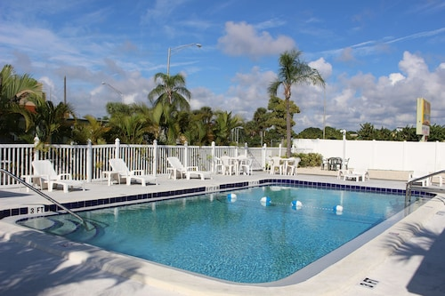 Venice, Florida Hotels from $45! - Cheap Hotel Deals