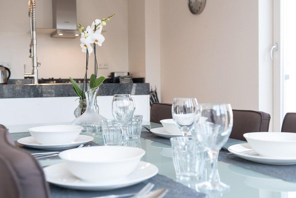 Servicio de comidas en la habitación urban apartments de laurier