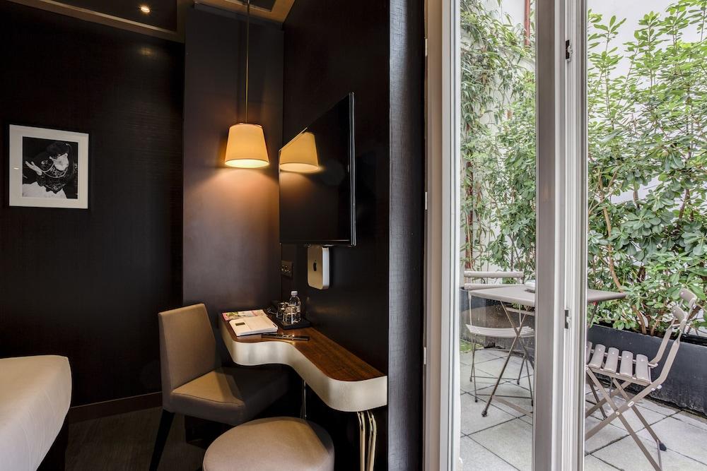Armoni Paris Hotel