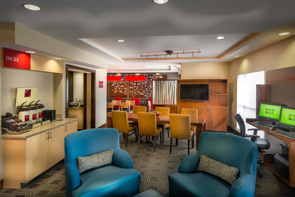 Lobby, TownePlace Suites Goldsboro
