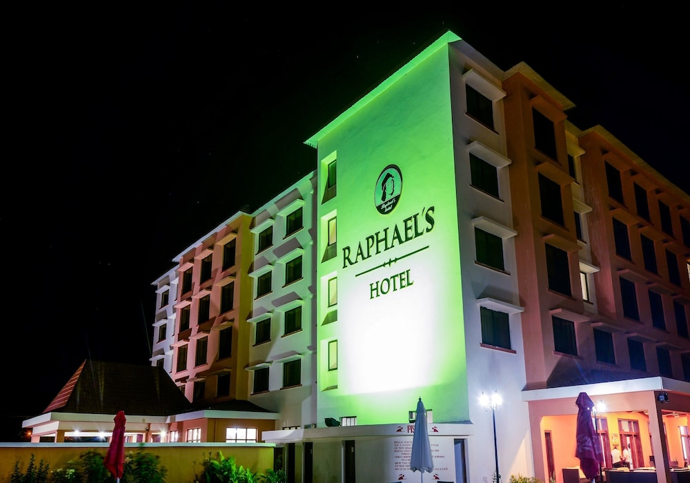 Front of Property - Evening/Night, Raphael's Hotel