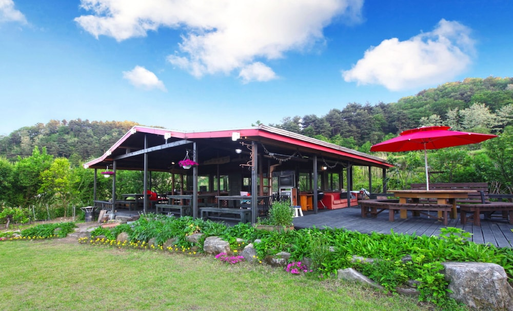 Seorak Garden Villa In Sokcho Hotel Rates Reviews On