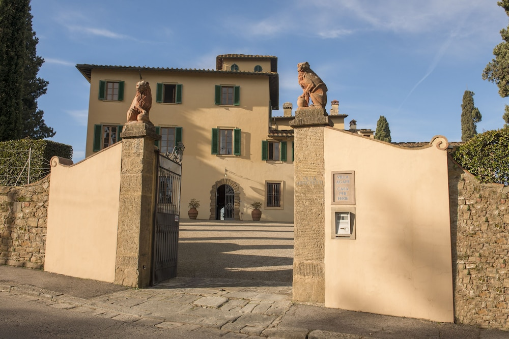 Art hotel villa agape in florence hotel rates reviews for Hotels florence