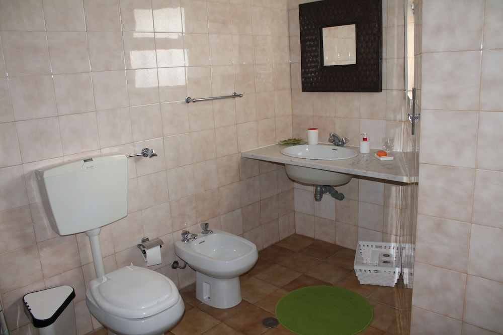 Bathroom, Manawa Camp Holidays