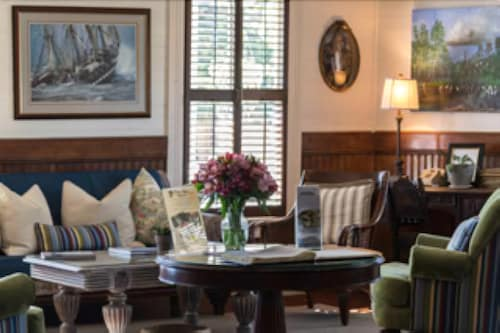 Gibson Inn: 2019 Room Prices $138, Deals & Reviews | Expedia