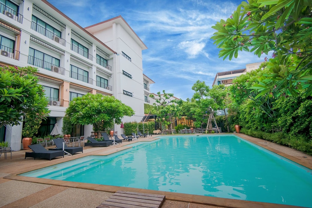 The Pannarai Hotel In Udon Thani Hotel Rates Reviews On Orbitz