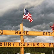 No Name City Luxury Cabins & RV, LLC