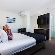 Ramada by Wyndham Perth The Outram