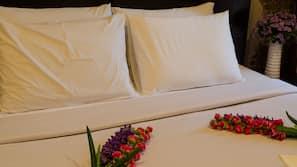 1 bedroom, premium bedding, in-room safe, free WiFi