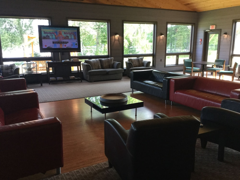 Lobby Lounge, Great Northern Motel