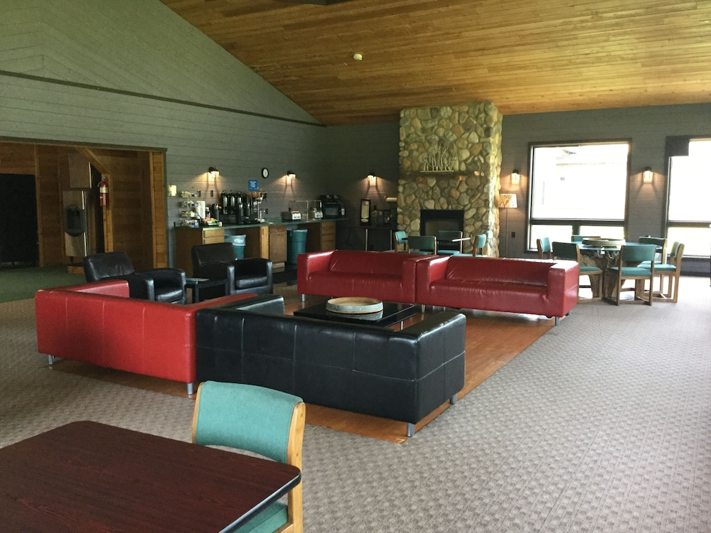 Lobby Sitting Area, Great Northern Motel