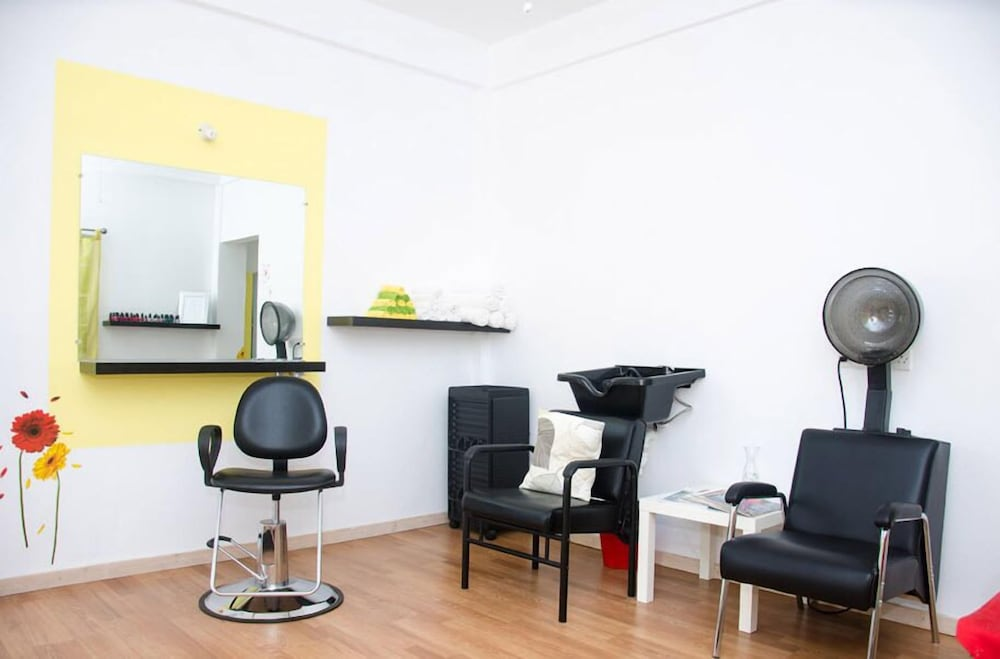 Hair Salon, Grenada Gold Apartments