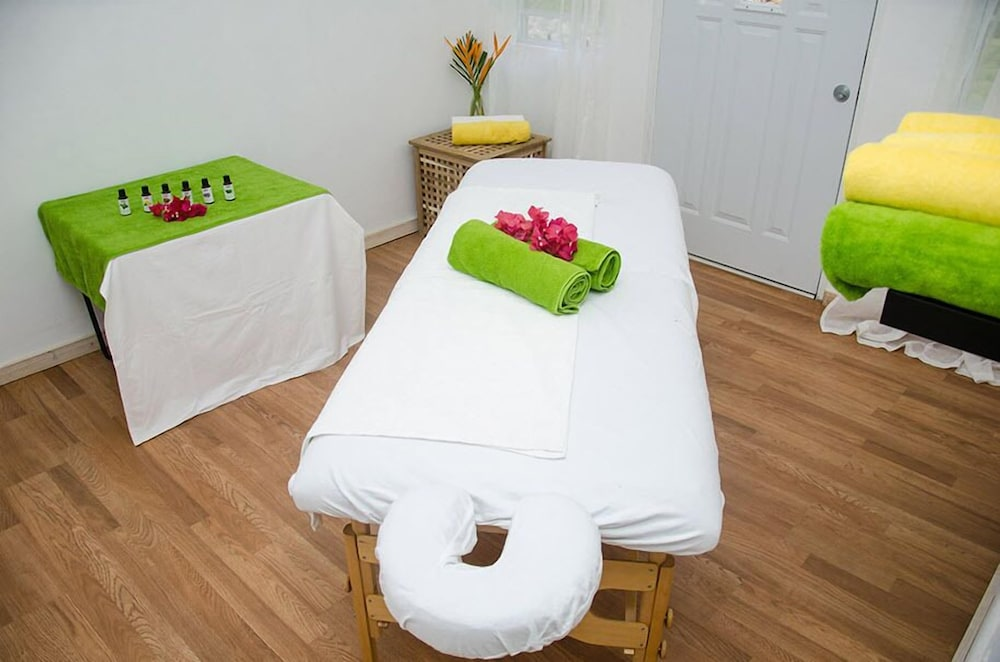 Massage, Grenada Gold Apartments