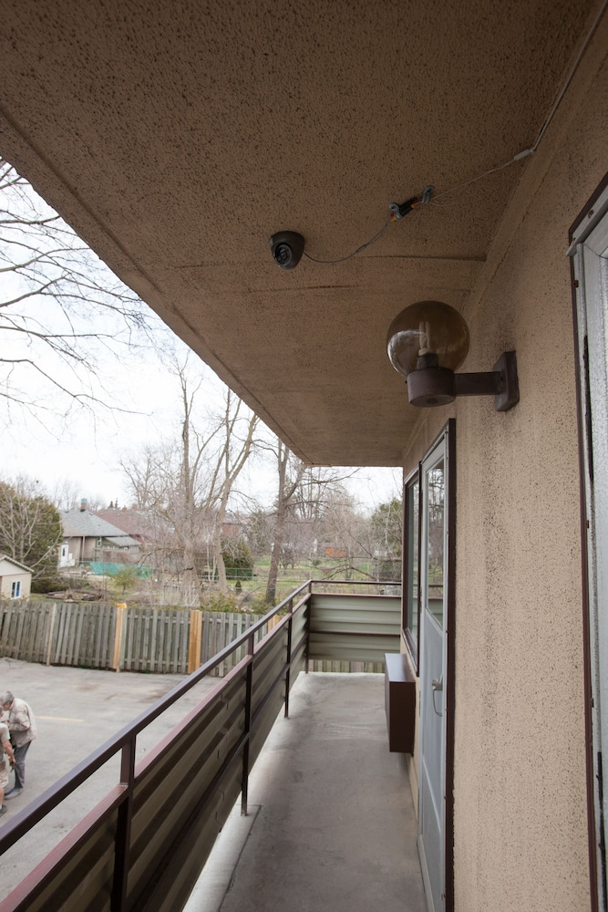 Terrace/Patio, Wharncliffe Suites Motel