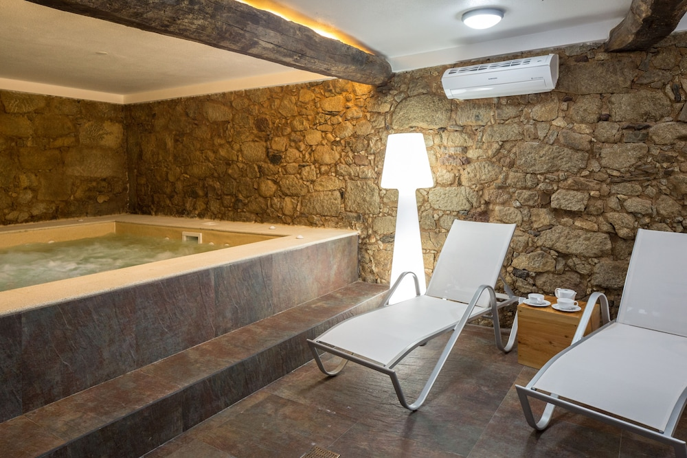 Cerca Design House In Fundao Hotel Rates Reviews On Orbitz