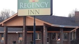 Regency Inn - Iola Hotels
