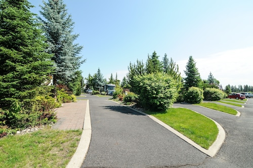 Great Place to stay Alderwood RV Express near Mead