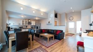 Plasma TV, fireplace