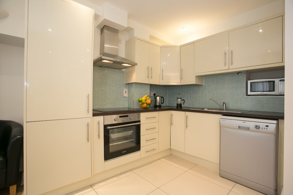 Private Kitchen, Temple Bar District Apartments