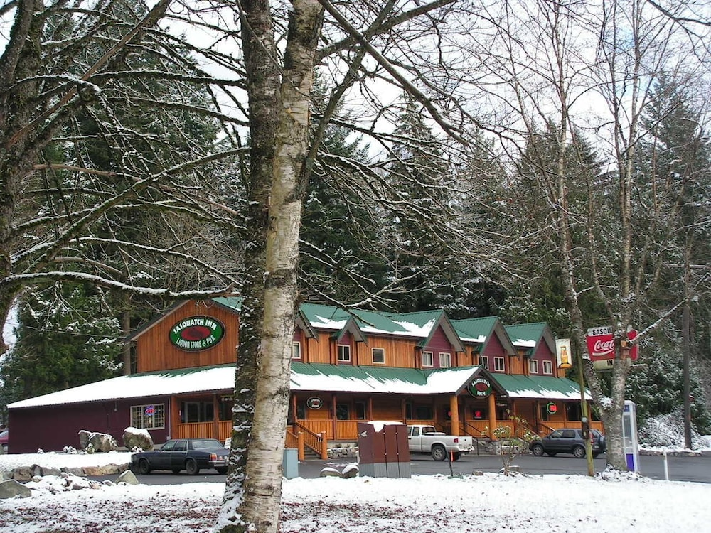 Front of Property, Sasquatch Inn